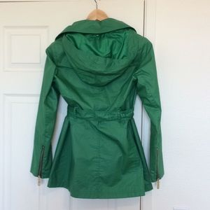 Vince Camuto Jackets & Coats - Vince Camuto Hooded Rain Jacket - Small